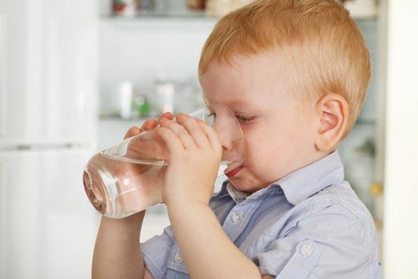 Con người có thể nhiễm khuẩn E.Coli khi sử dụng nước chưa qua xử lý