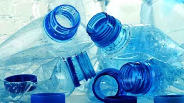 nên hay không uống nước đóng chai 500ml