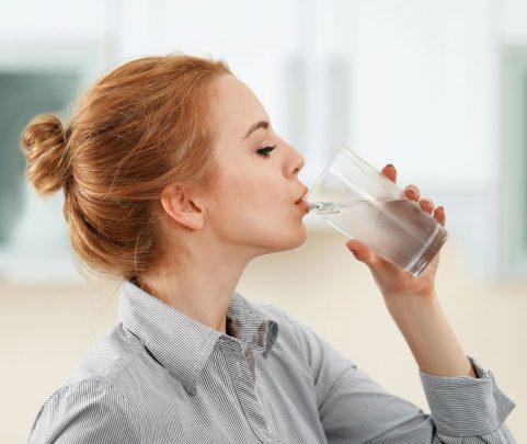 Uống nước lạnh ảnh hưởng như thế nào đến sức khỏe của bạn ...